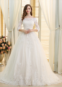 Romantic Tulle Off-the-shoulder Neckline Ball Gown Wedding Dresses With Beaded Sequin Lace Appliques (WWD23863)