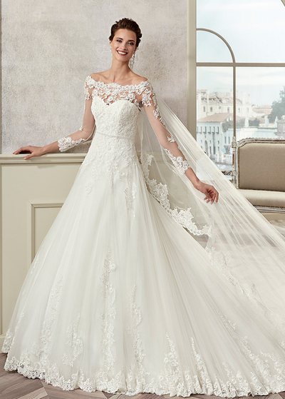 Incredibile Tulle & Satin Scollo Off-the-spalla una linea di abiti da sposa con perline Appliques del merletto (WWD97192)